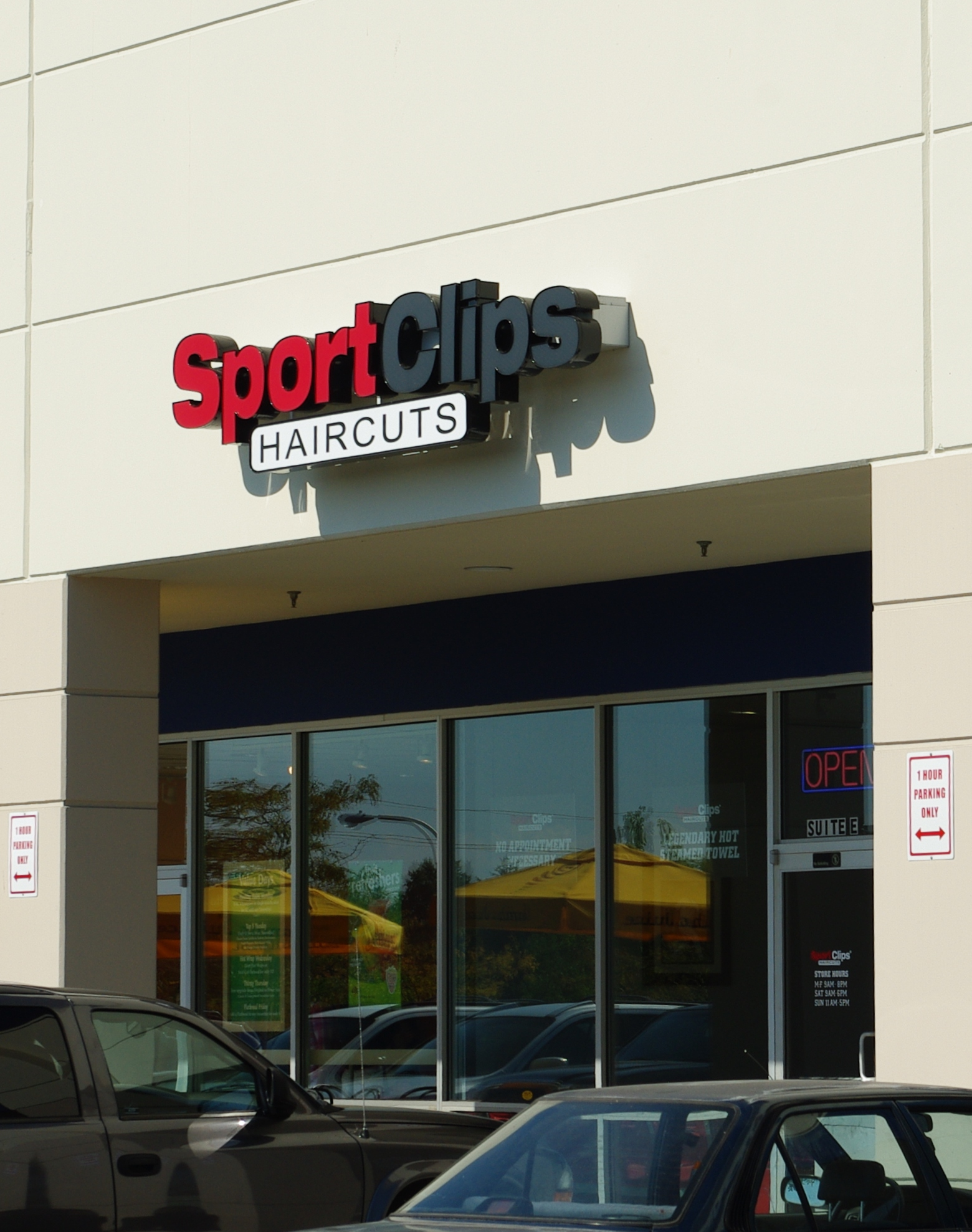 sportclips oregon hillsboro file sport clips sports composes offering marketing slogan wikipedia figure cuts principles core