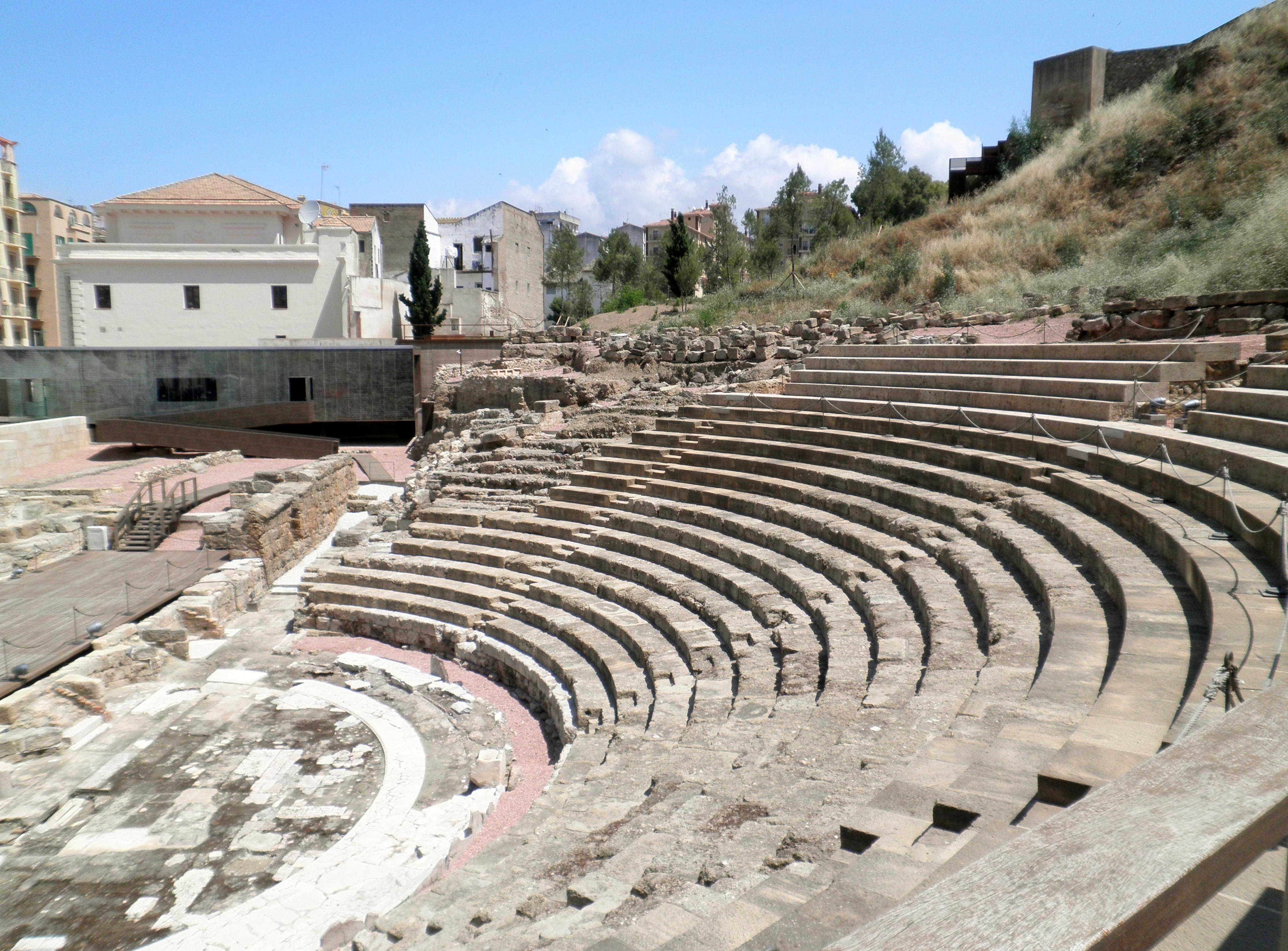 File:Teatro Romano de Malaga.jpg