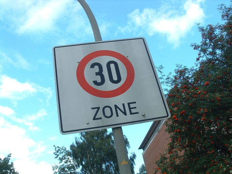 File:Tempo-30-Zone.jpg - Wikimedia Commons