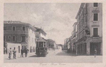 File:Treviso   Borgo Cavour.JPG