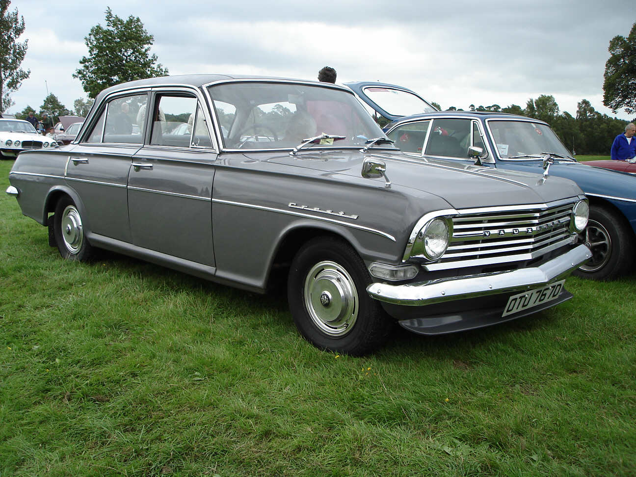 Vauxhall_Cresta_PB_1966.jpg