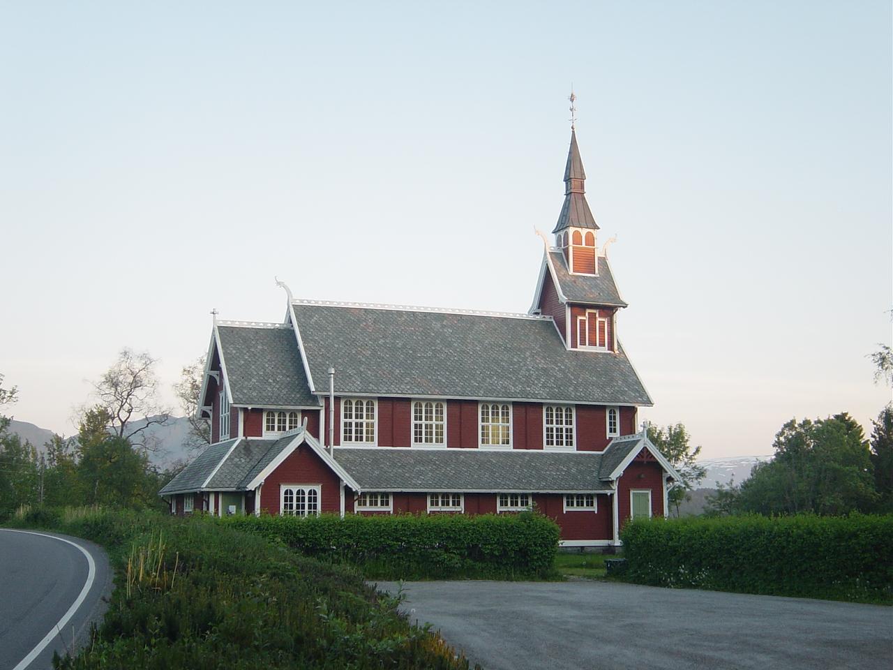 File:Veoy-Molde-kirke-05-2007.JPG