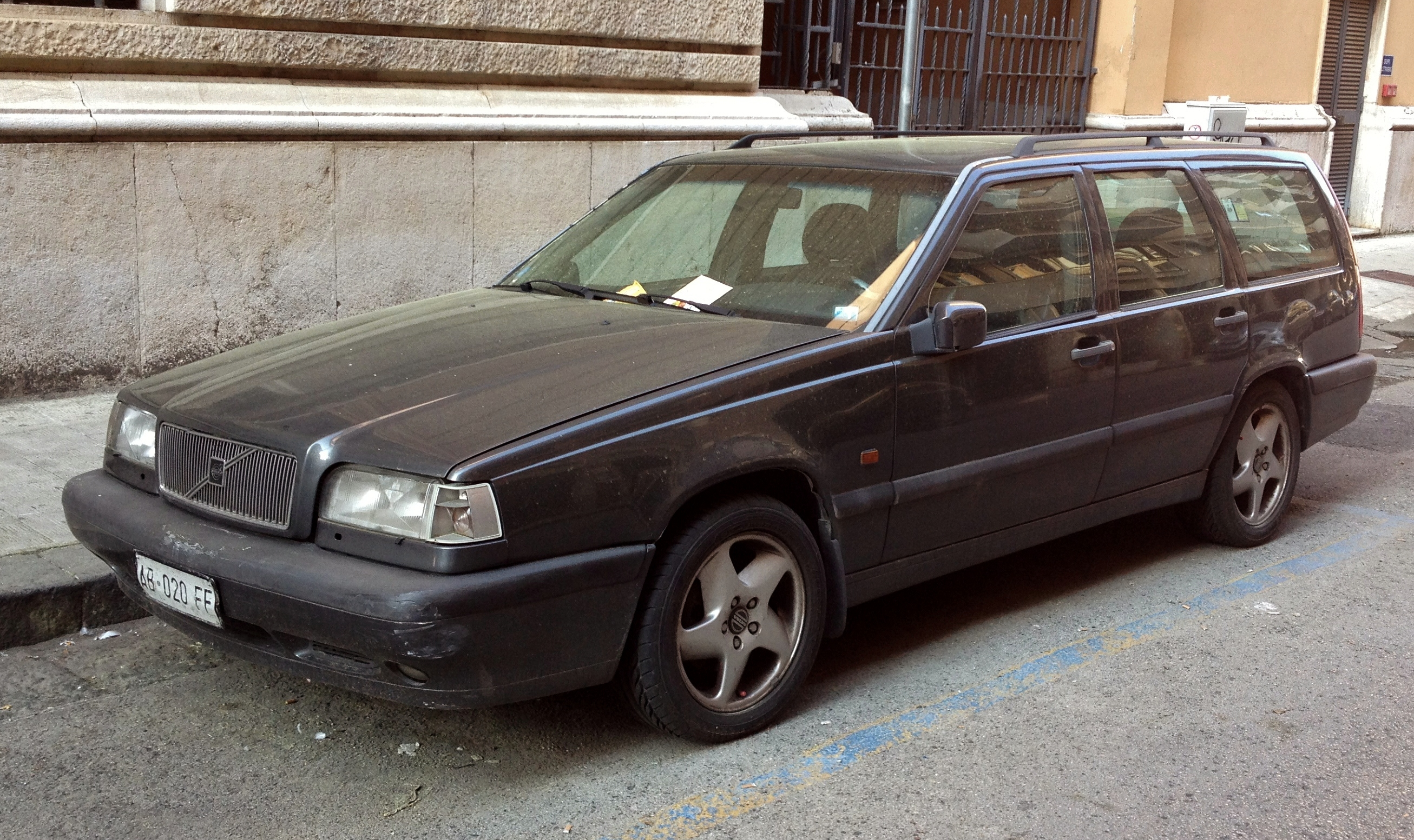 File Volvo 850 T 5 Station Wagon Jpg Wikimedia Commons