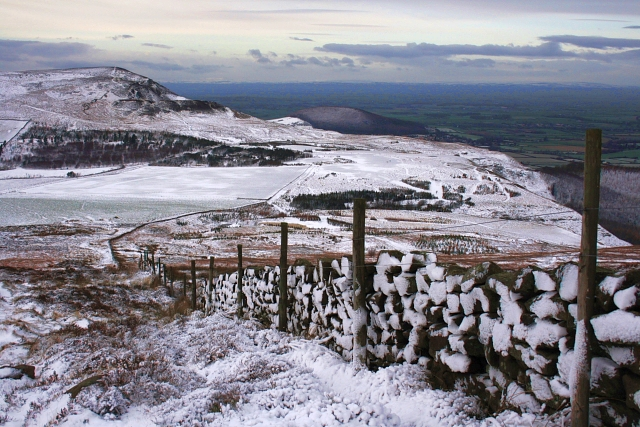 Wall, Cringle Moor - geograph.org.uk - 677237