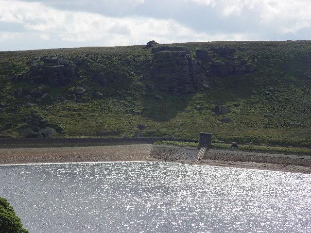 Widdop Reservoir Dam - geograph.org.uk - 53979