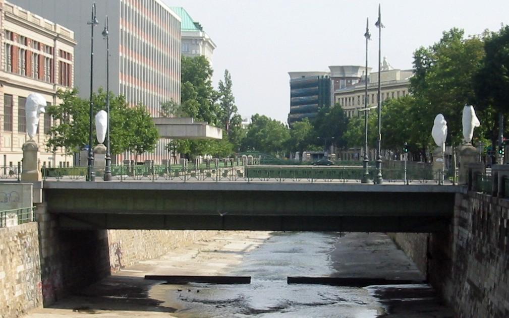 Wien Stubenbrücke 2.jpg