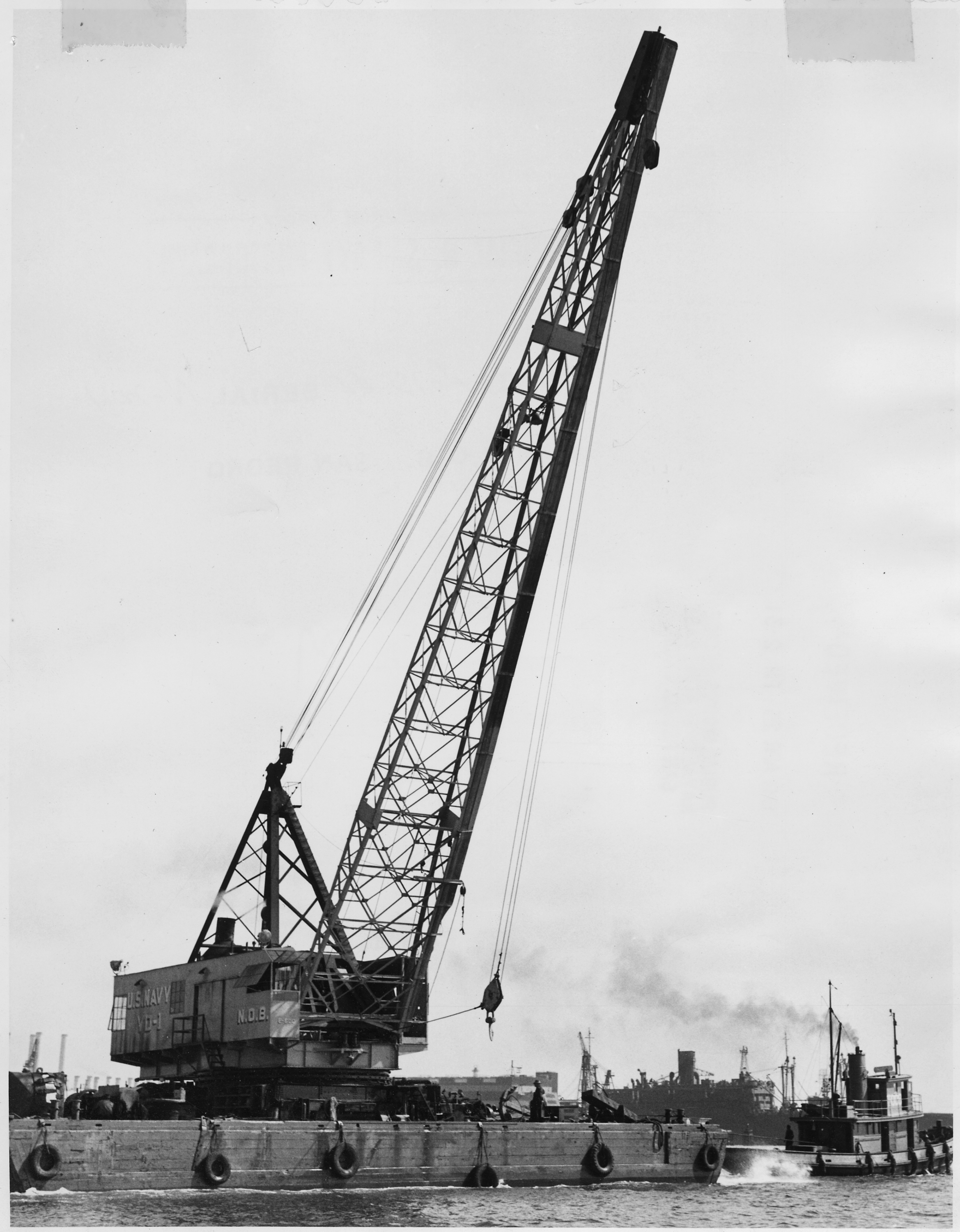 File Yd 1 U S Navy Floating Crane Being Towed Out To Sea