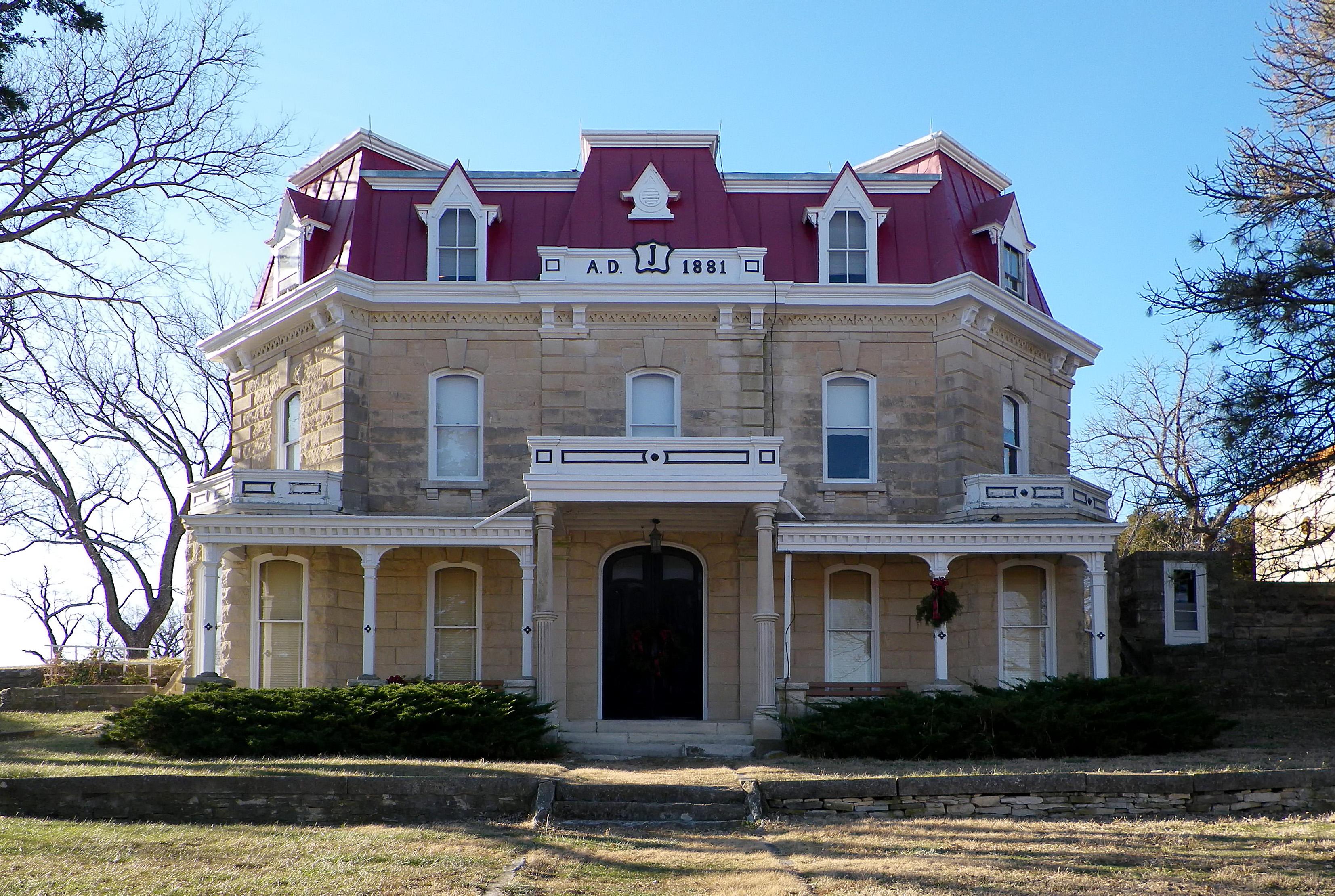 File:Z-bar-ranch-house.JPG - Wikimedia Commons