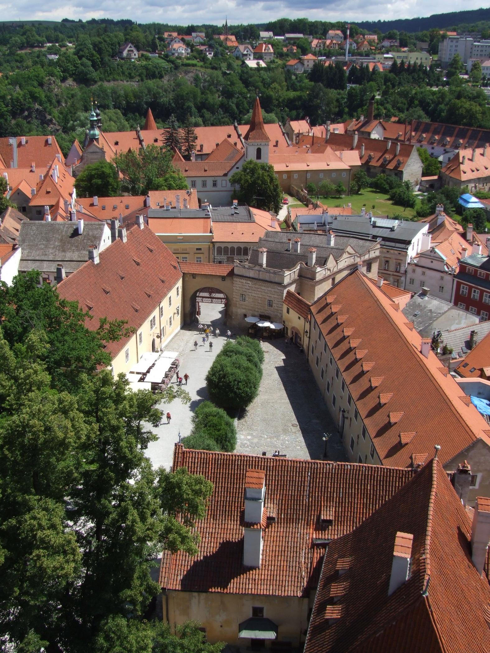 Файл:Český Krumlov (Krummau) - I. nádvoří zámku.jpg