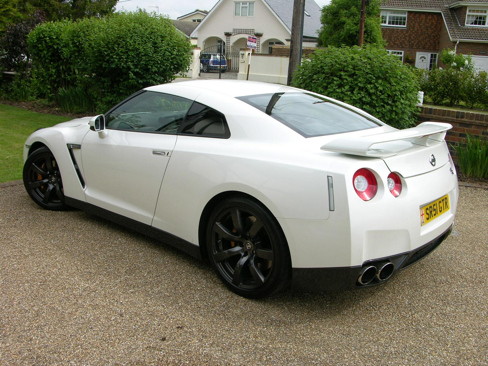 file:2009 nissan gt-r black edition - flickr - the car spy (1)