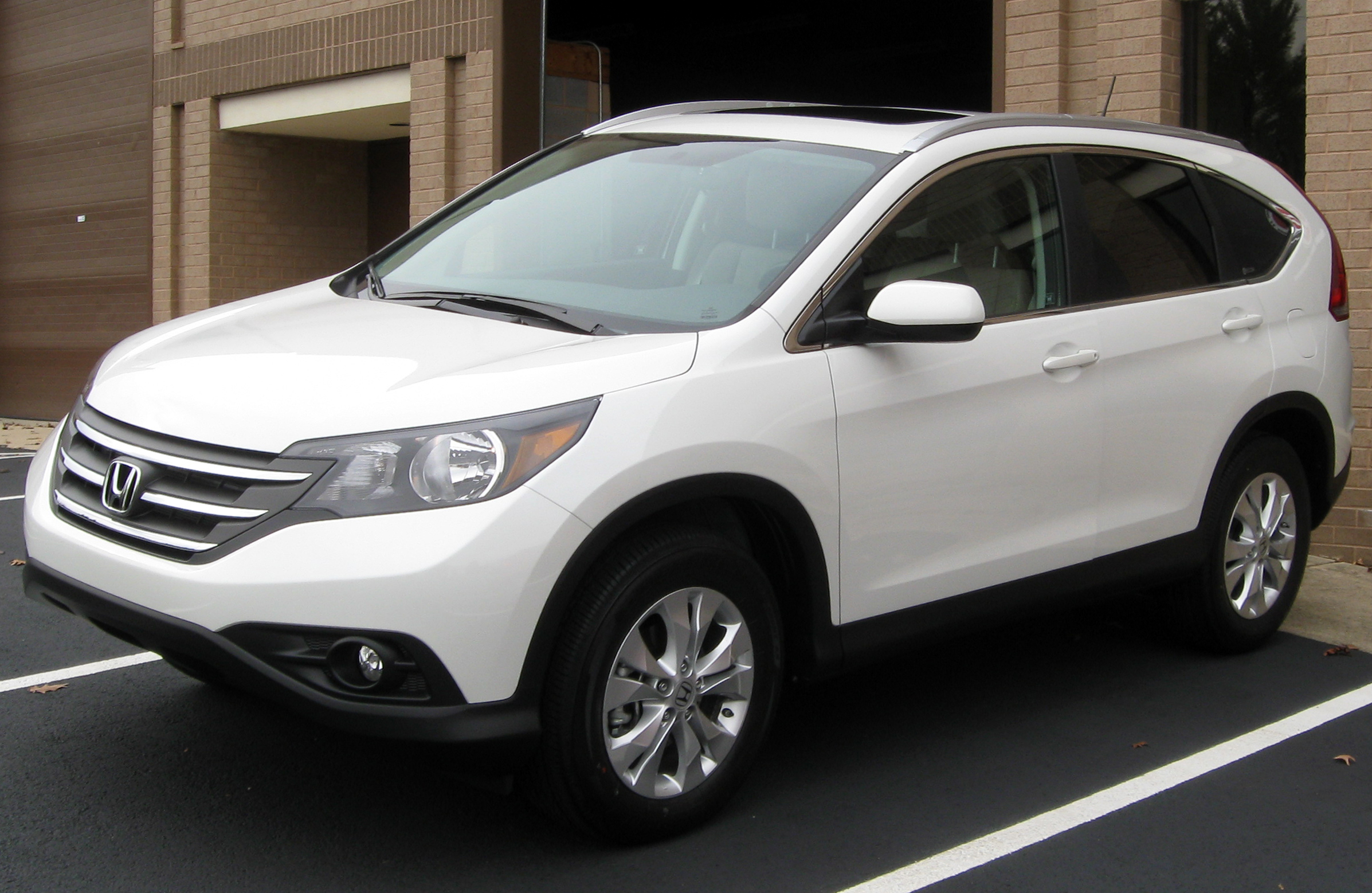 File:2012 Honda CR-V -- 12-29-2011.jpg - Wikimedia Commons