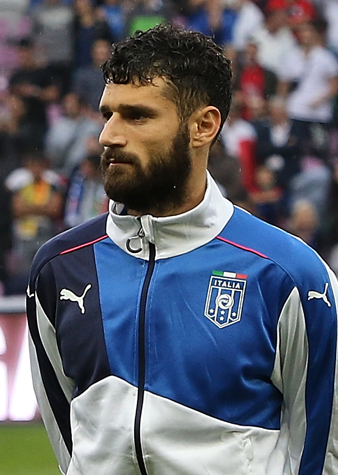 The 31-year old son of father (?) and mother(?) Antonio Candreva in 2018 photo. Antonio Candreva earned a  million dollar salary - leaving the net worth at 15 million in 2018