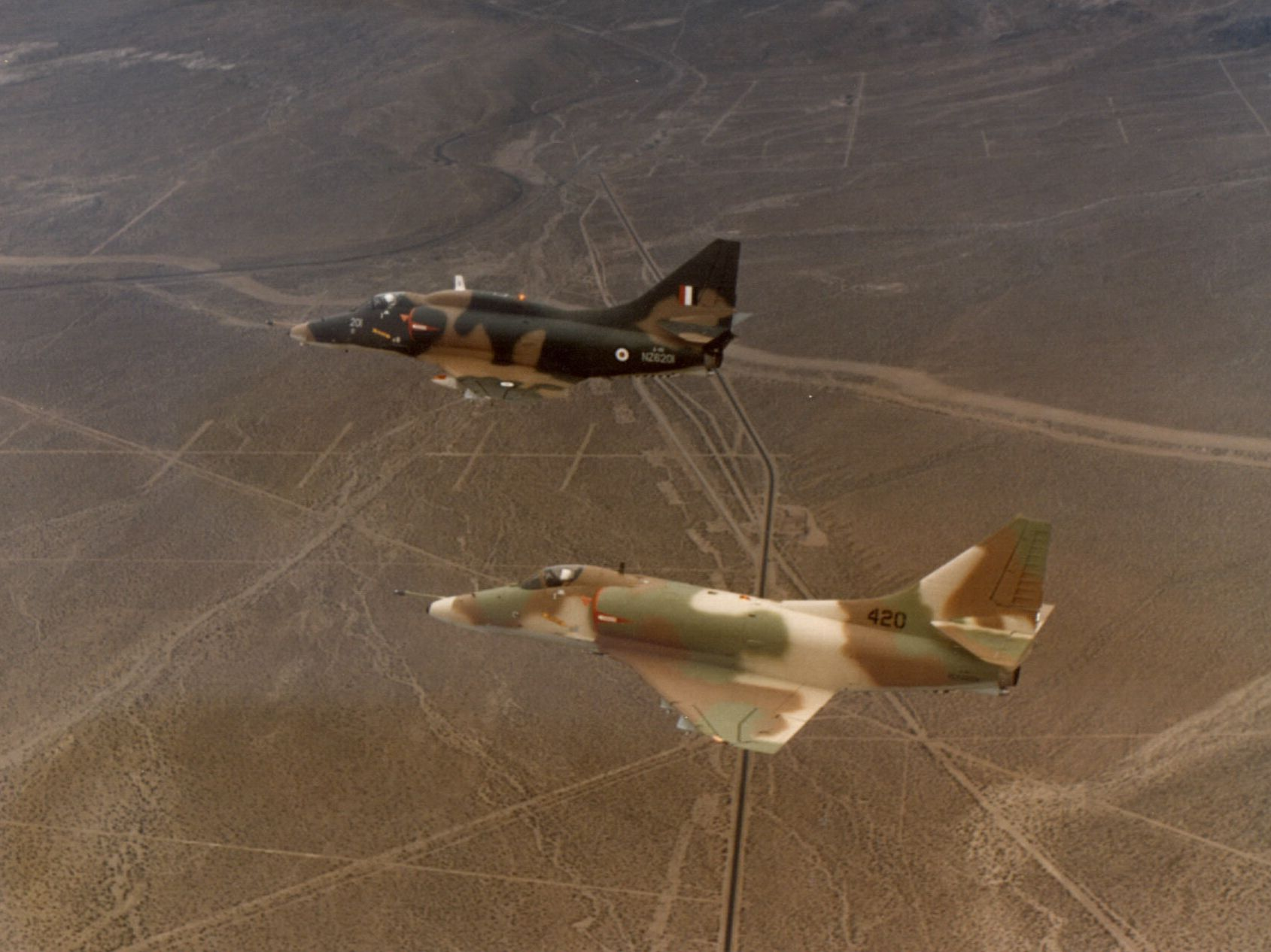 File:A-4H and A-4K Skyhawk in flight c1969.jpeg - Wikimedia Commons