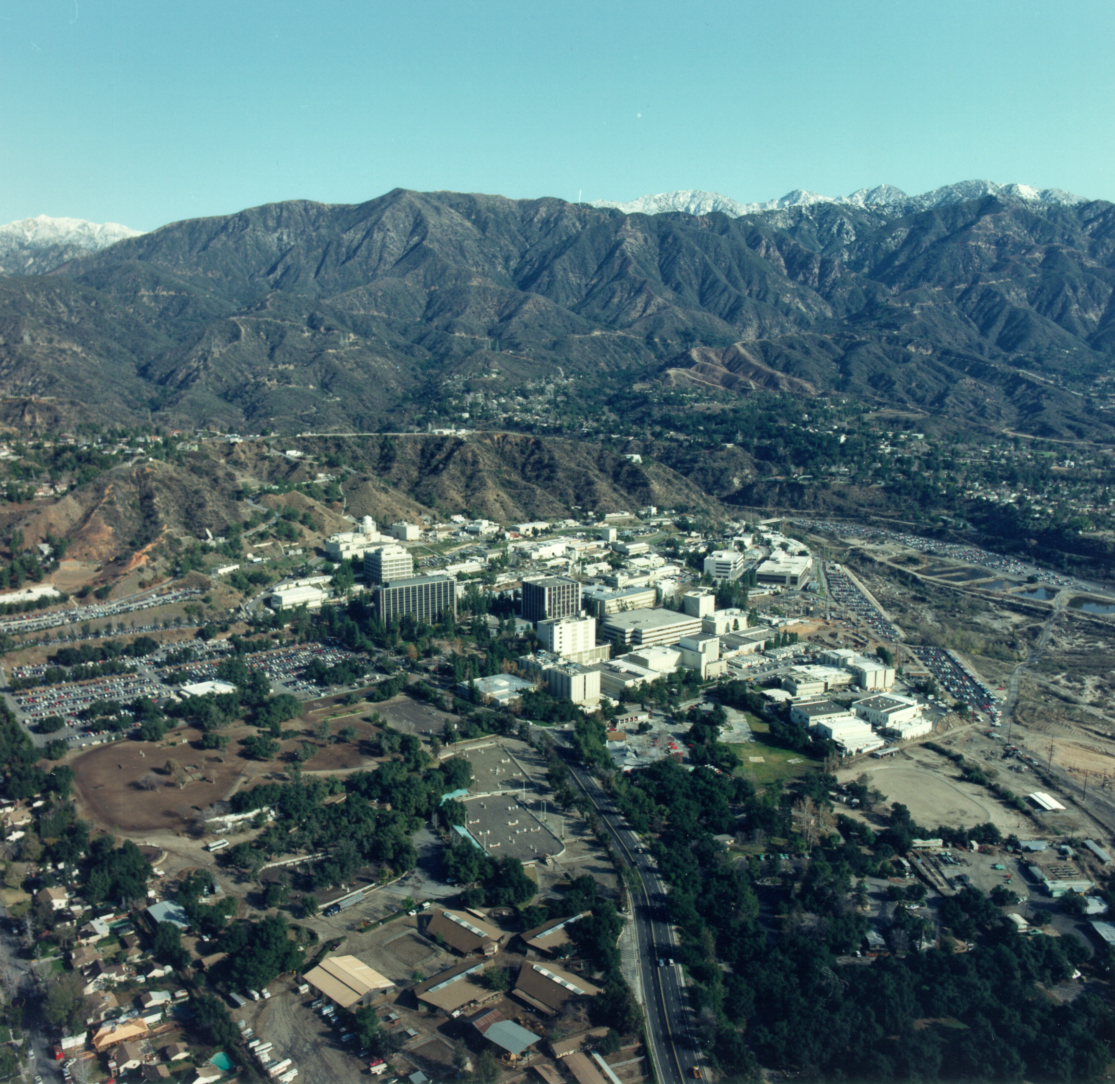 File Aerial View Of Jpl Gpn 2000 001980 Jpg Wikimedia Commons