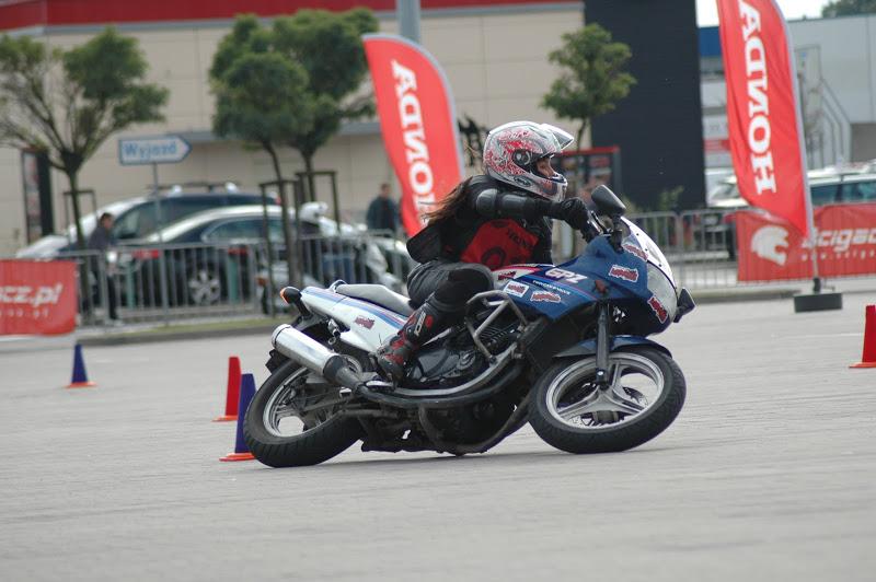 File:Aleksandra Frost na finale Honda Gymkhana.JPG
