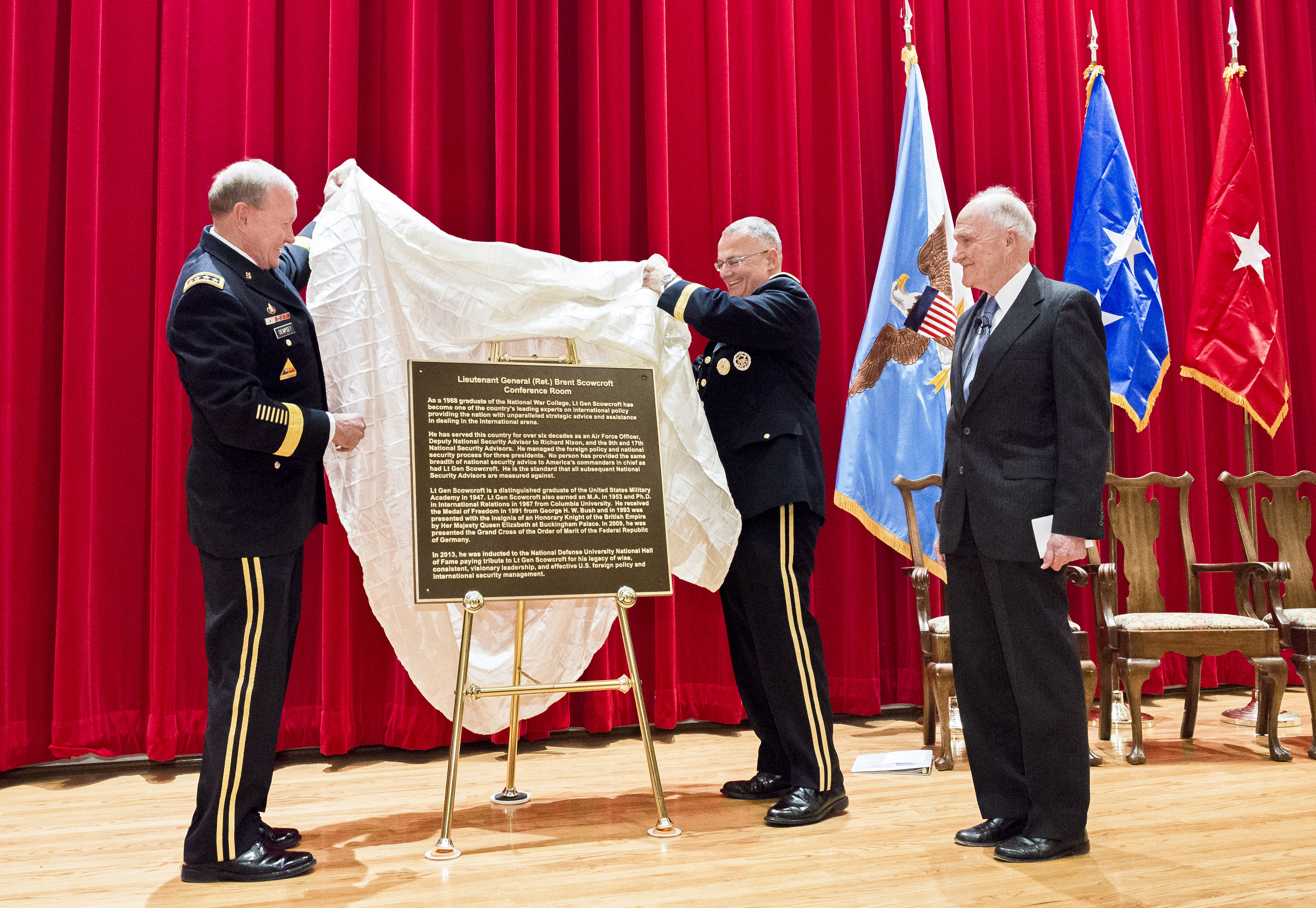 ... chairman of the Joint Chiefs of Staff and National War College Commandant Army Brig. Gen. Guy \ Tom\  Cosentino unveil a door placard to honor retired ... & File:Army Gen. Martin E. Dempsey left chairman of the Joint ...