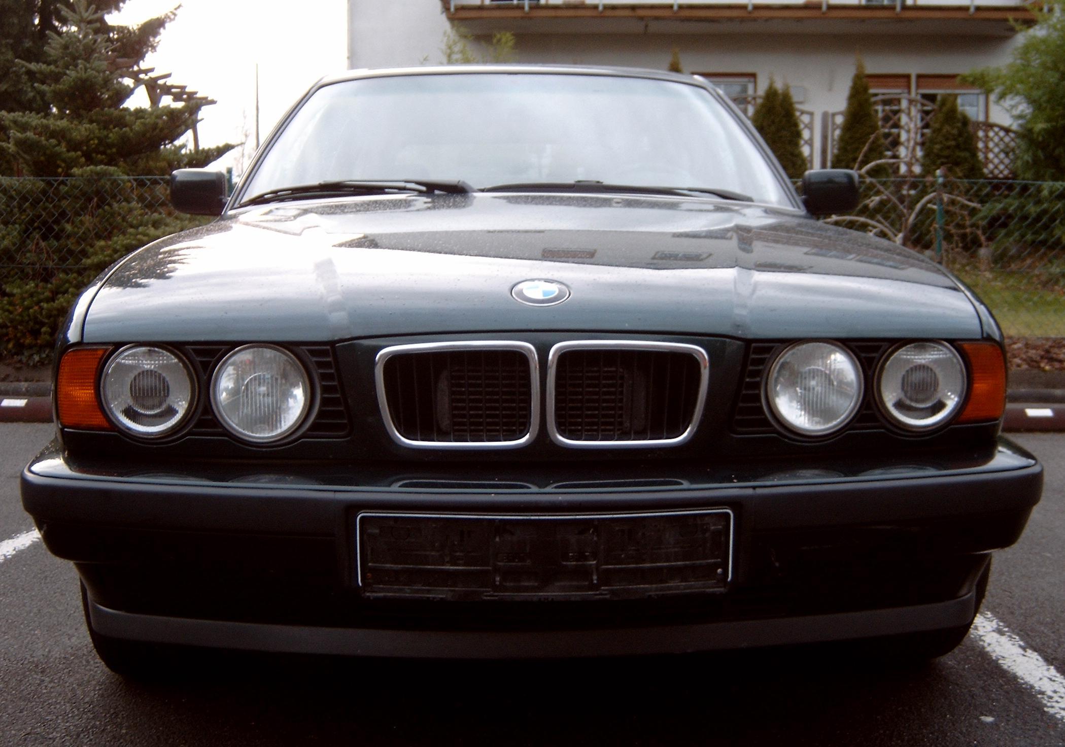BMW E34 –