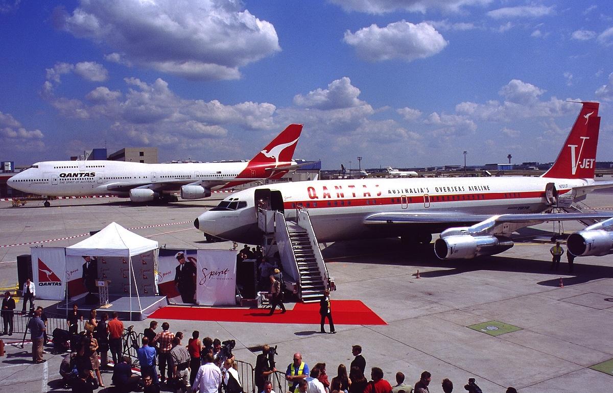 File Boeing 707 138b Qantas John Travolta An0270930 Jpg Wikimedia Commons