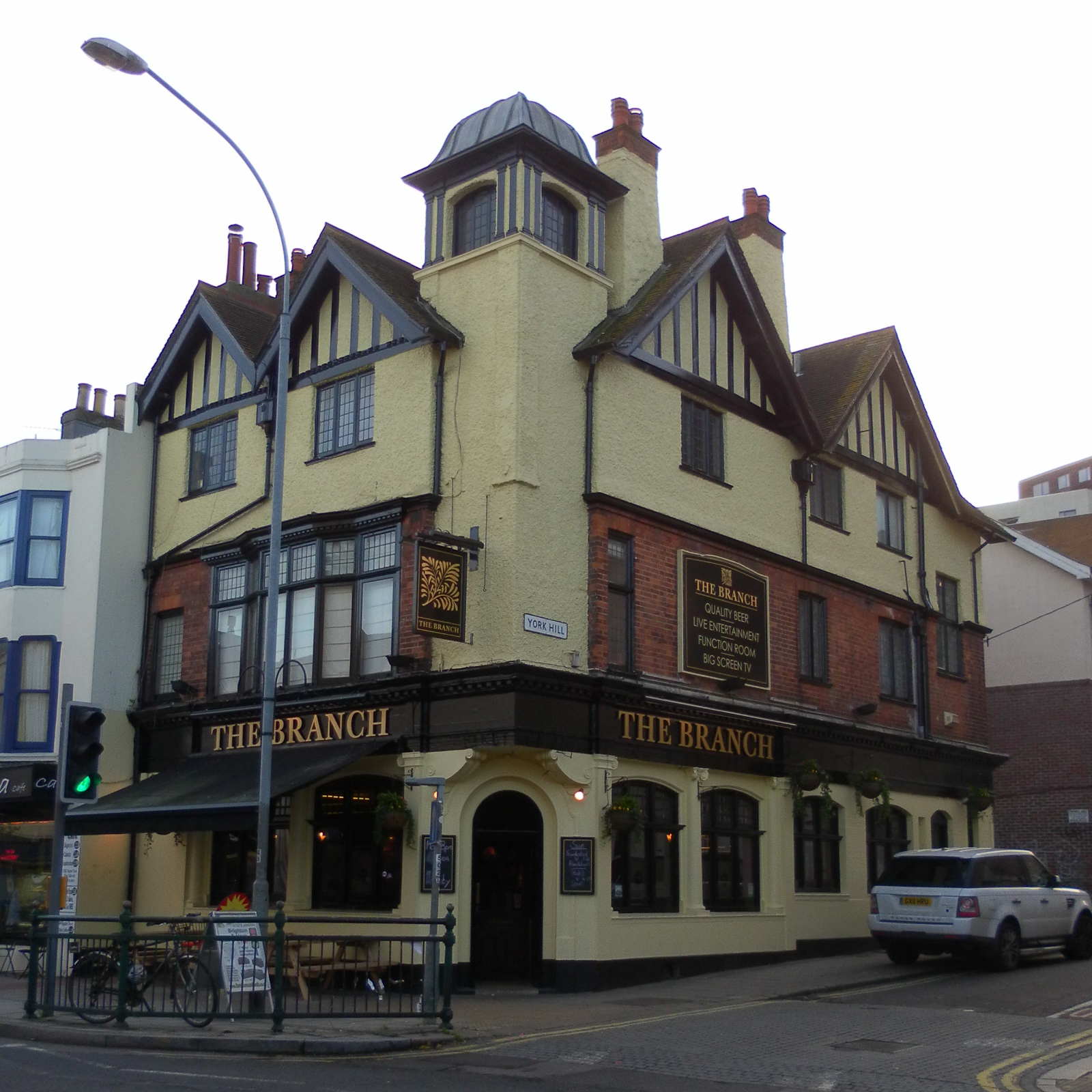 FileBranch Tavern York Hill Brighton December JPG