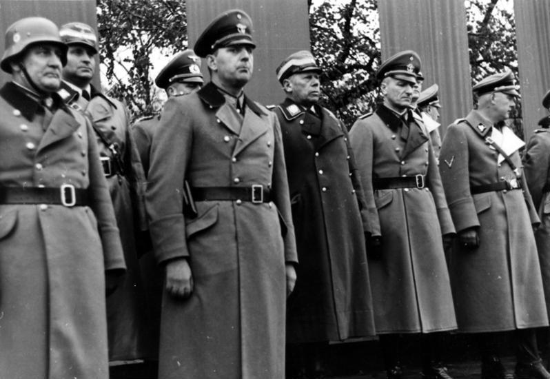 Bundesarchiv Bild 121-0266, Polen, Krakau, Polizeiparade.jpg