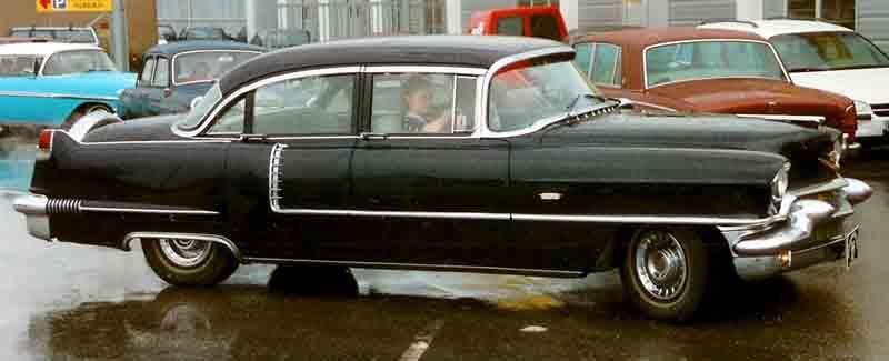 File:Cadillac 4-Door Sedan 1956.jpg - Wikimedia Commons
