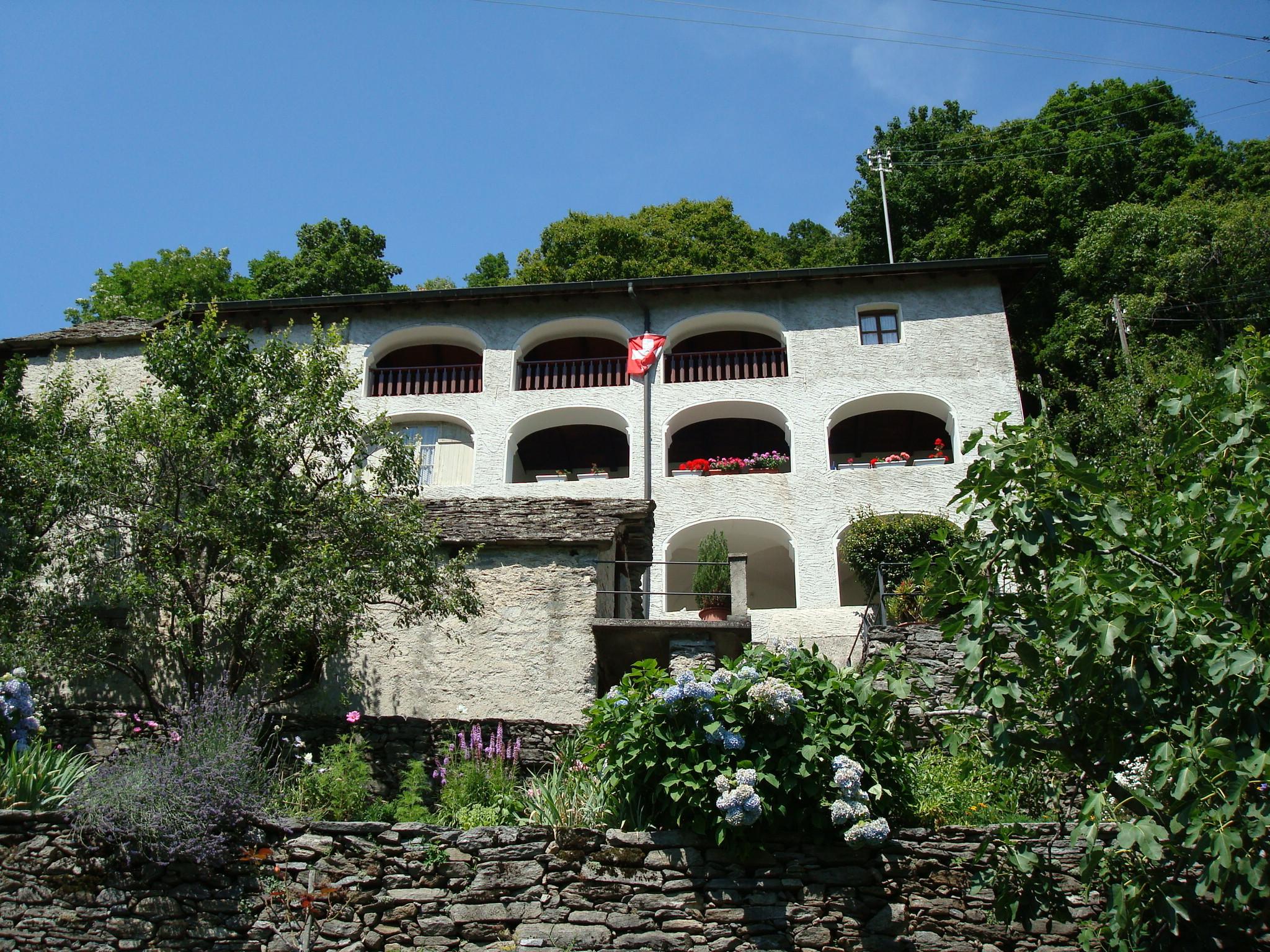File casa tradizionale jpg wikimedia commons for Casa tradizionale mogoro
