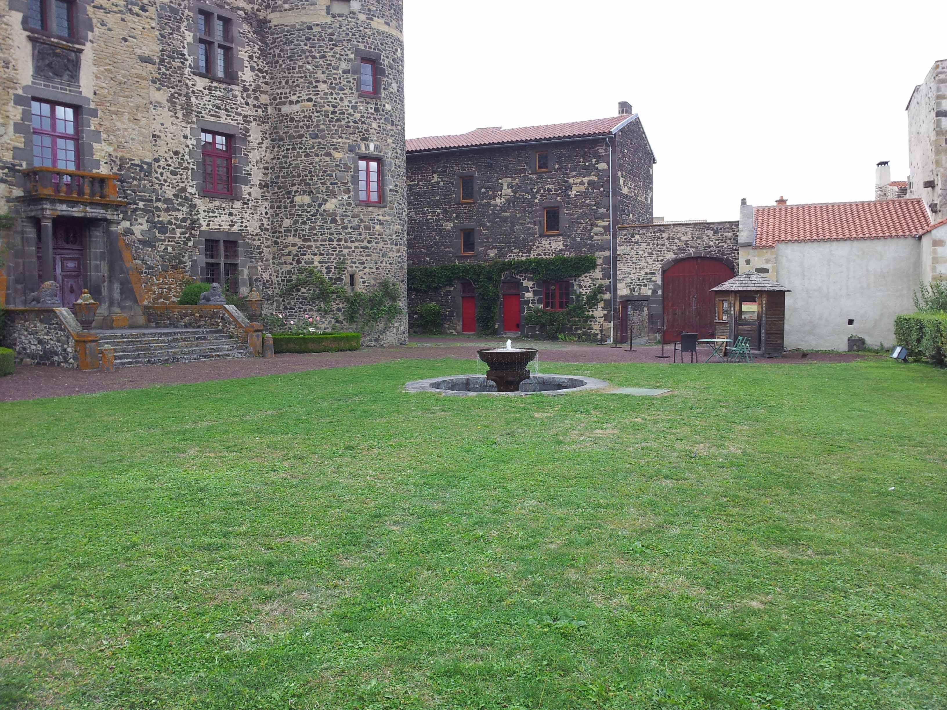 Cour exterieur search photo deco maison ides decoration for Amenager sa cour exterieur