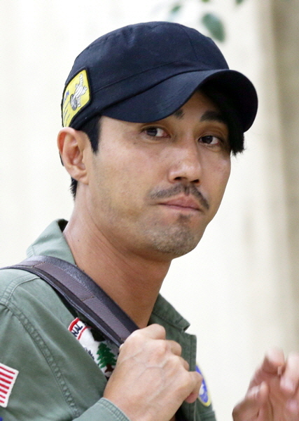 The 47-year old son of father (?) and mother(?), 188 cm tall Cha Seung Won in 2017 photo