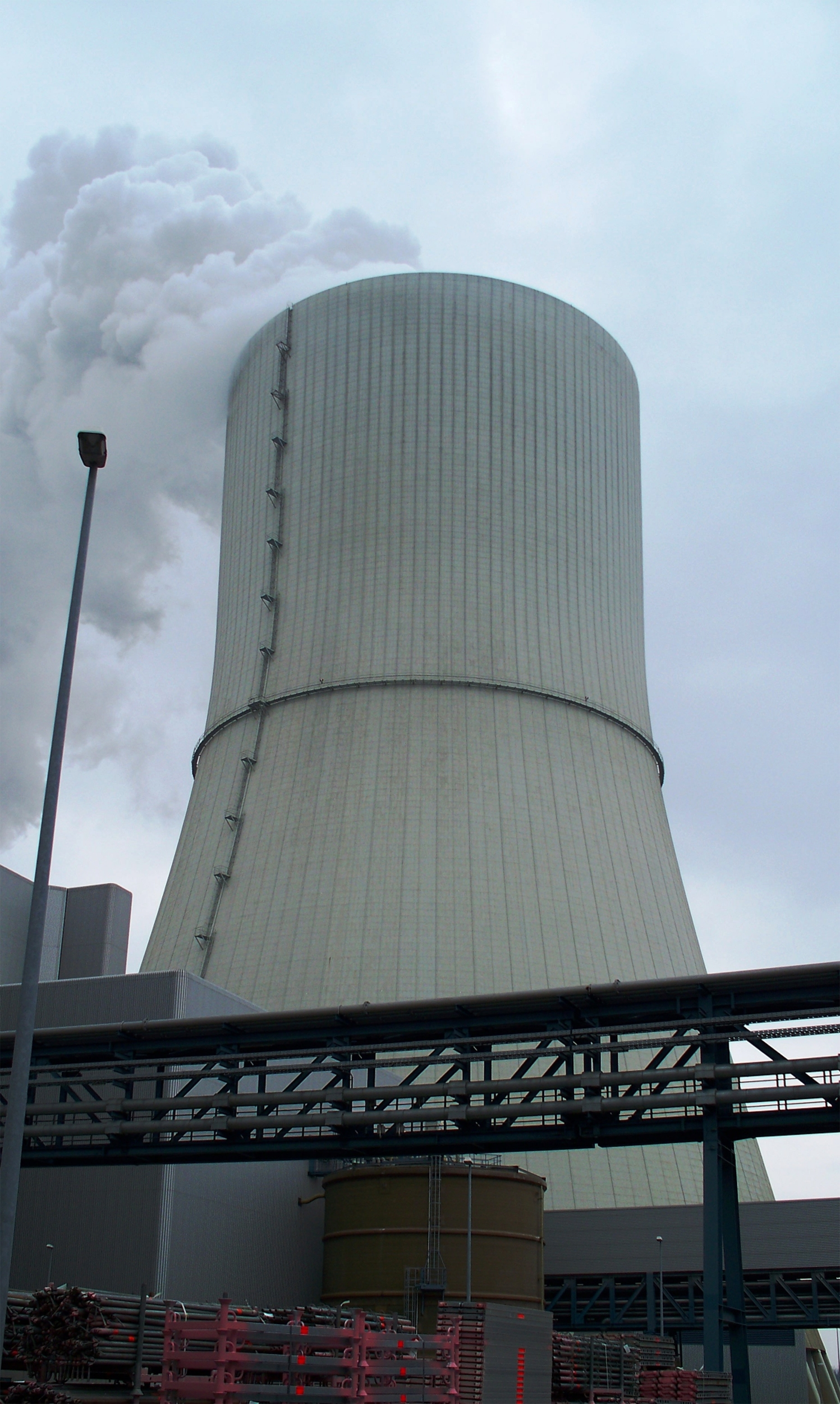 Cooling Towers How They Work : File cooling tower lippendorf g wikimedia commons