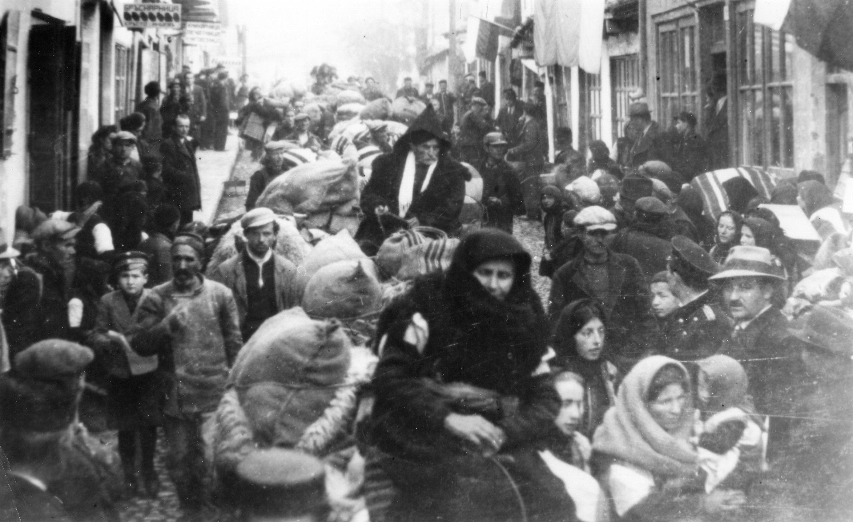 Резултат с изображение за Комунистическата съпротива във Вардарска Македония.