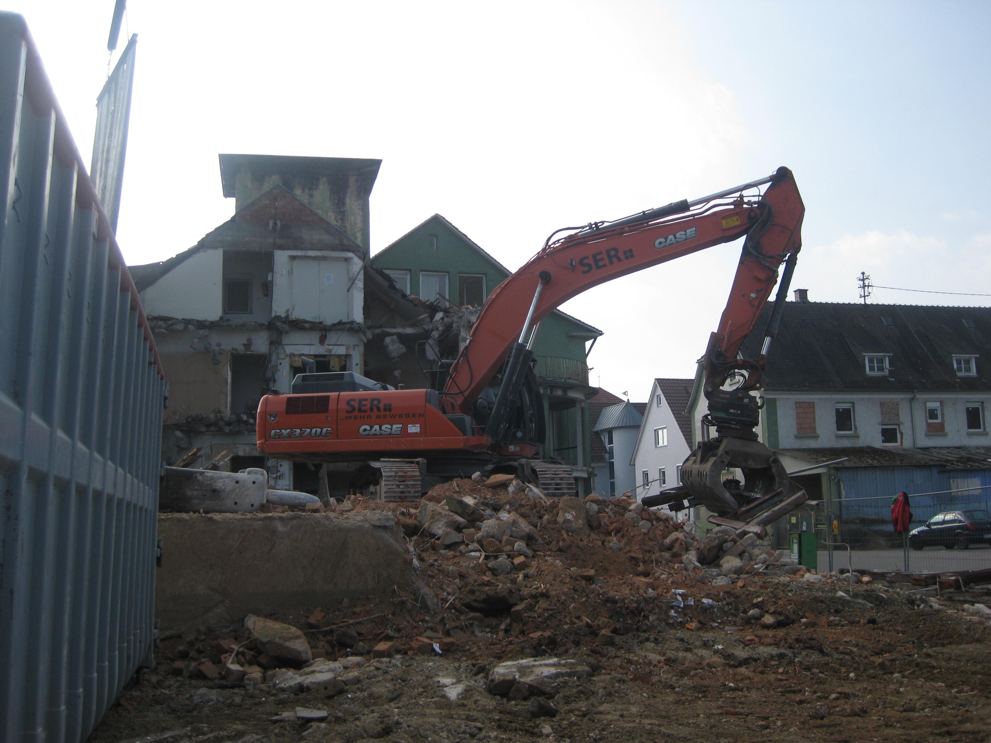 File:Demolition Of Furniture Store In Eschelbronn 2014 17