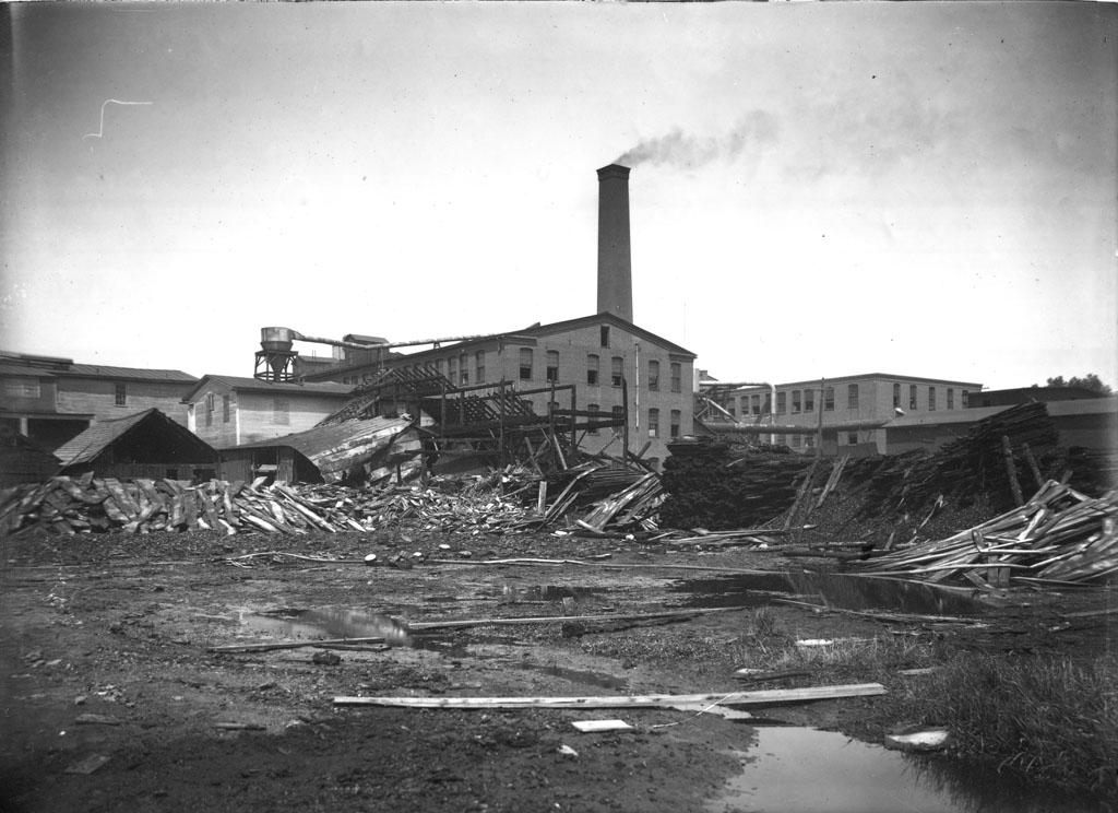 File:Destruction at furniture factory (4) (14312397838) jpg