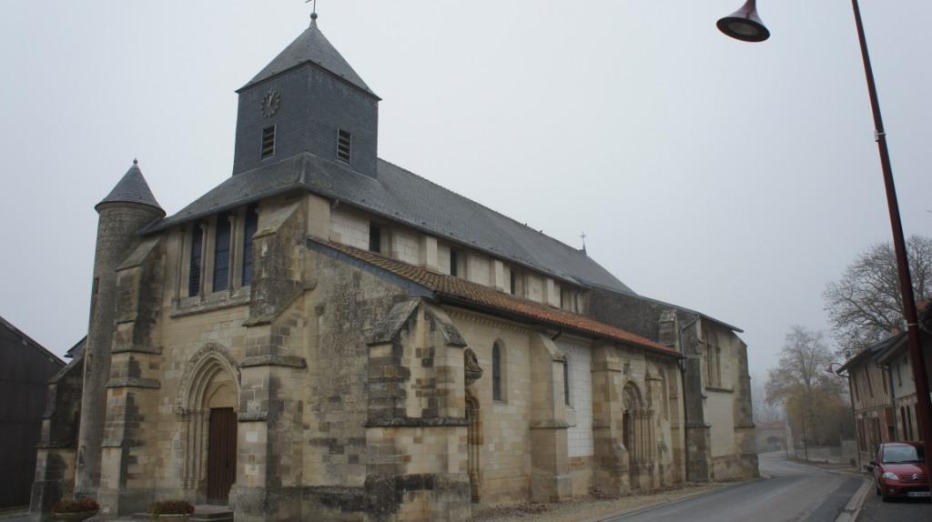 Vue de l'Eglise de Hans par le sud ouest.