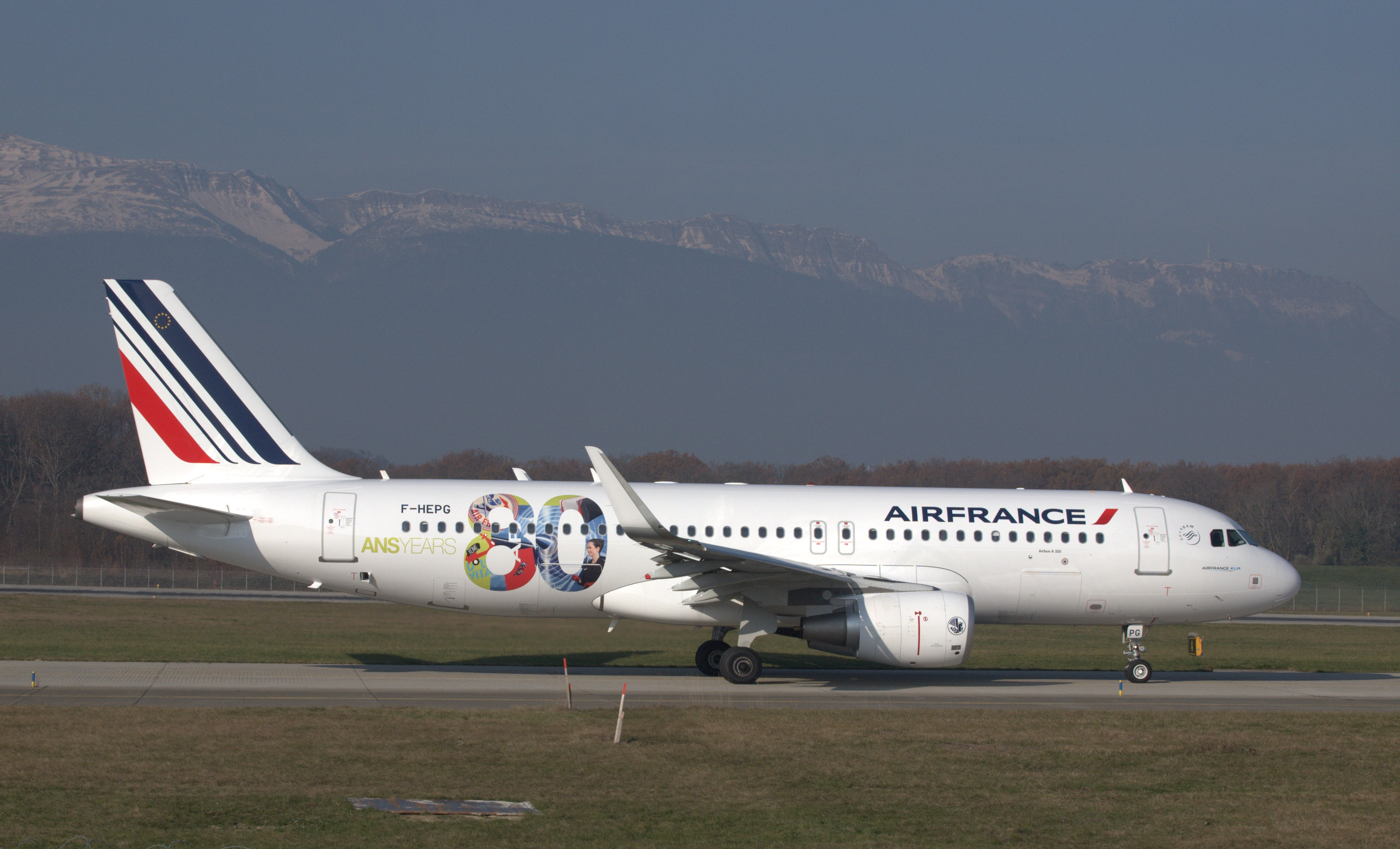 File f hepg airbus a320 214 sharklets a320 afr 80ans air for Airbus a320 air france interieur