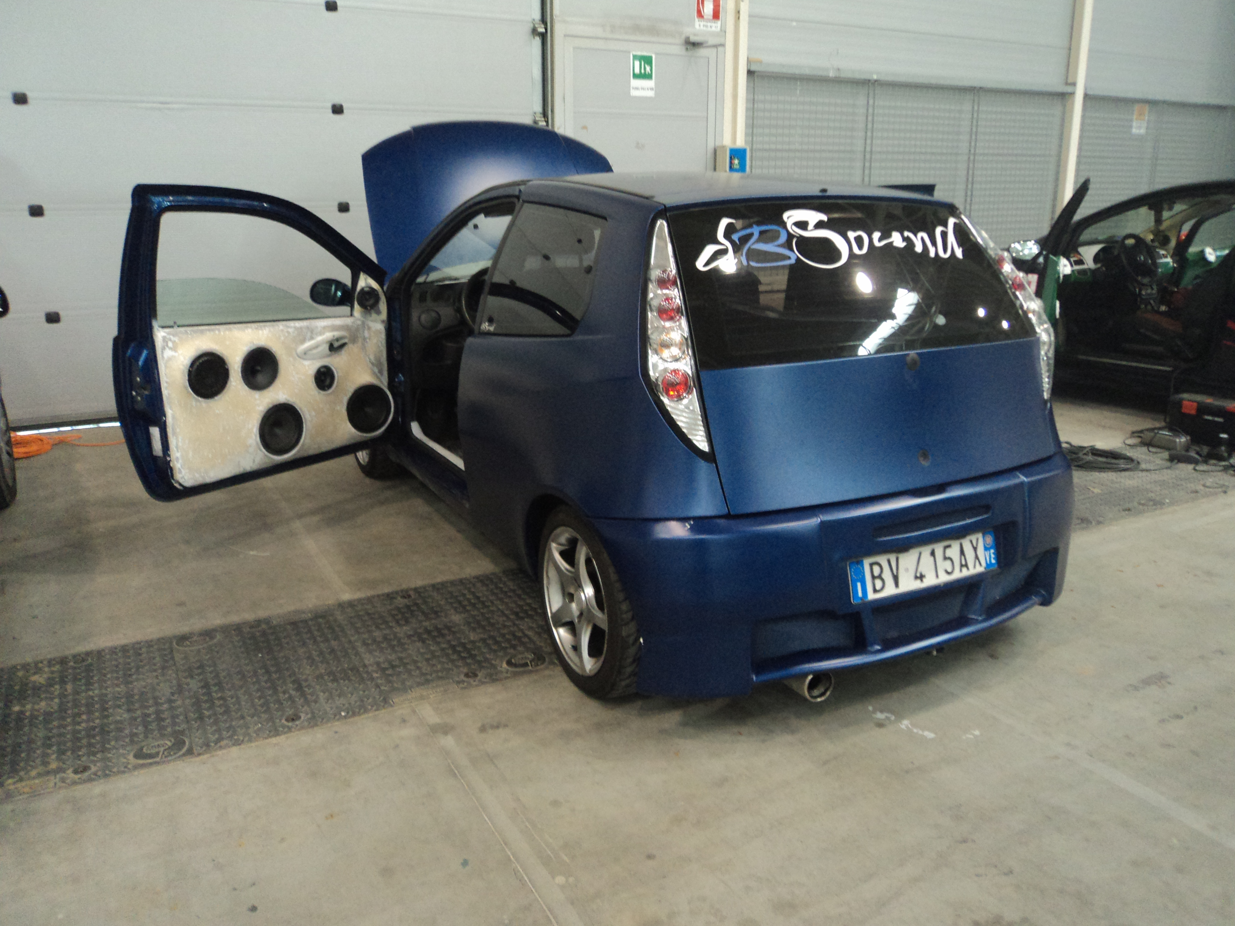 file fiat punto rome tuning show 04 jpg wikimedia commons. Black Bedroom Furniture Sets. Home Design Ideas