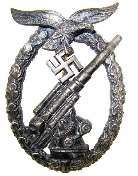 Flak-Kampfabzeichen der Luftwaffe.jpg