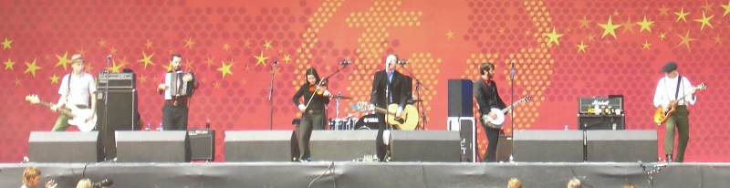 http://upload.wikimedia.org/wikipedia/commons/c/c1/Flogging-Molly.jpg