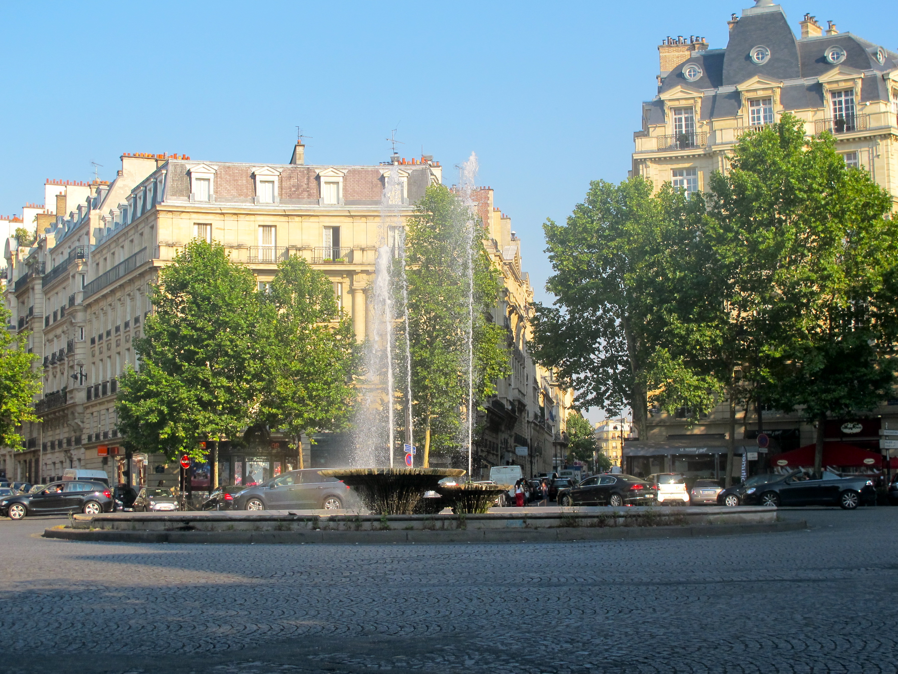 File fontaine place victor hugo paris jpg wikimedia commons - Victor hugo paris 16 ...