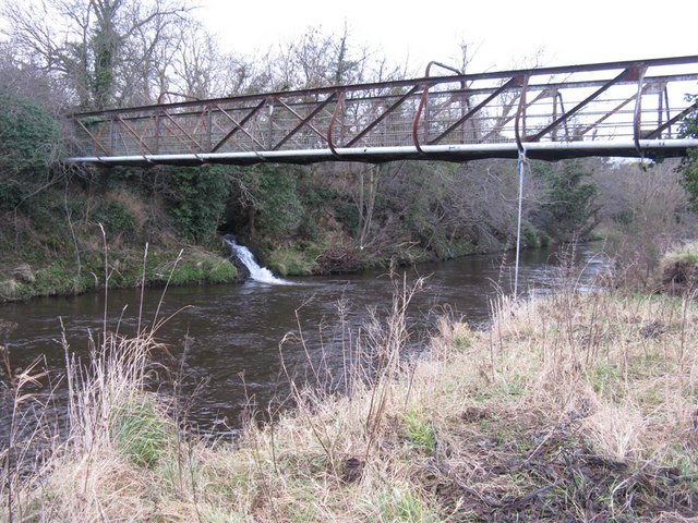 Footbridge over the River Esk - geograph.org.uk - 1121888