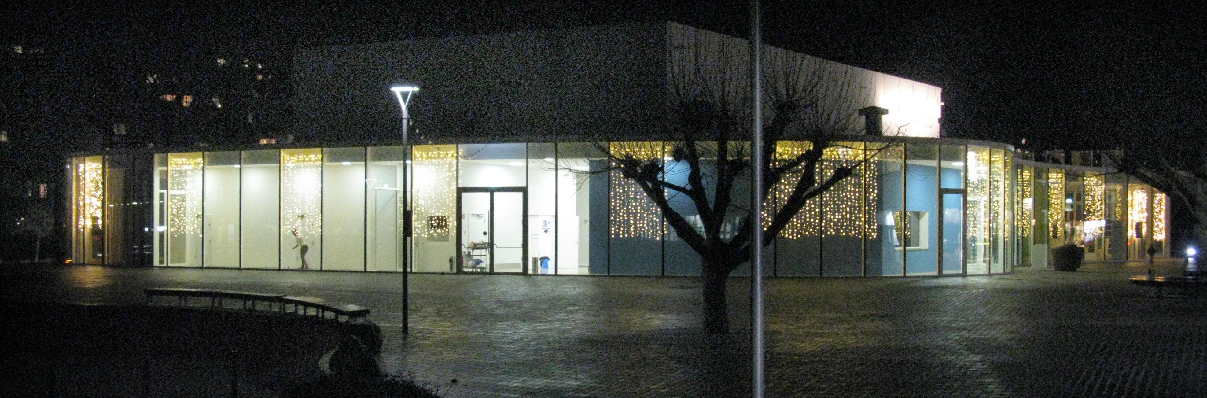 Weihnachtsbeleuchtung Forum.File Forum Merzhausen In Weihnachtsbeleuchtung Jpg Wikimedia Commons