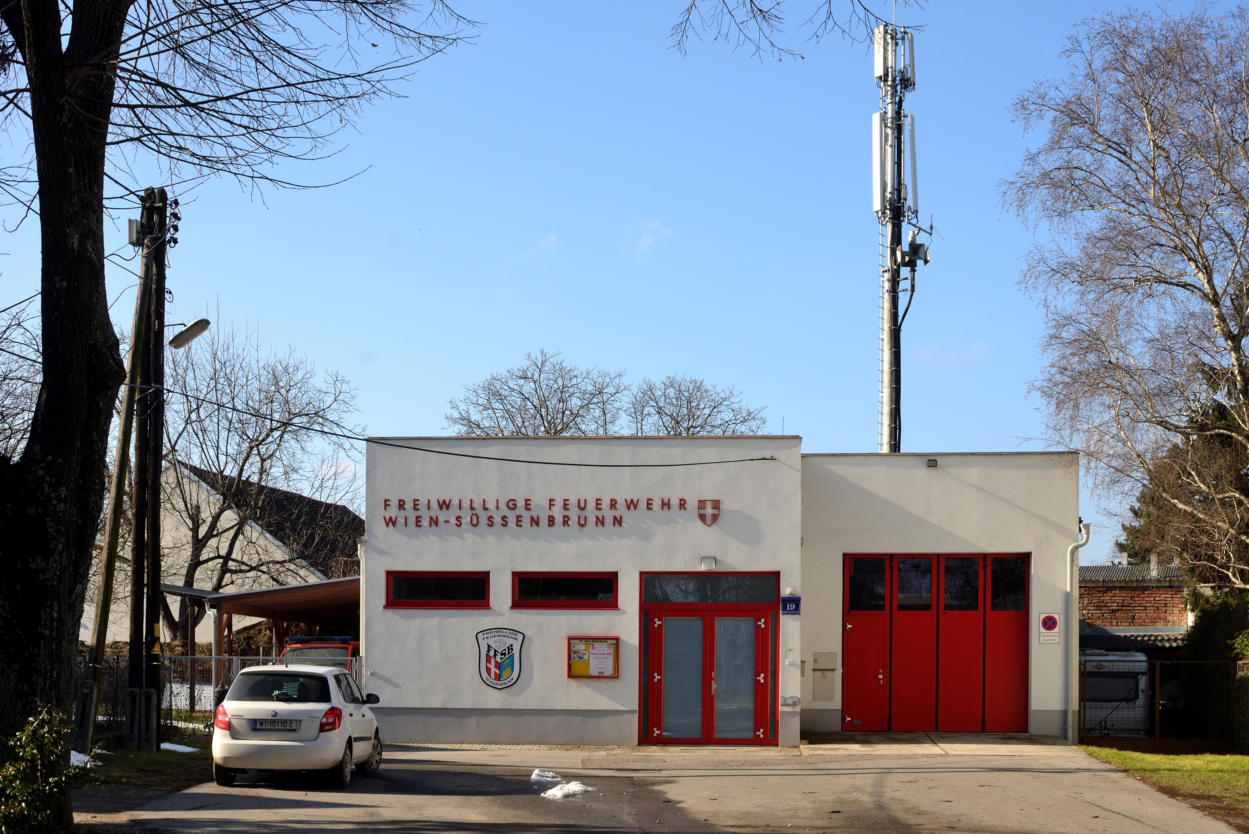 Freiwillige Feuerwehr Wien-Süßenbrunn.JPG