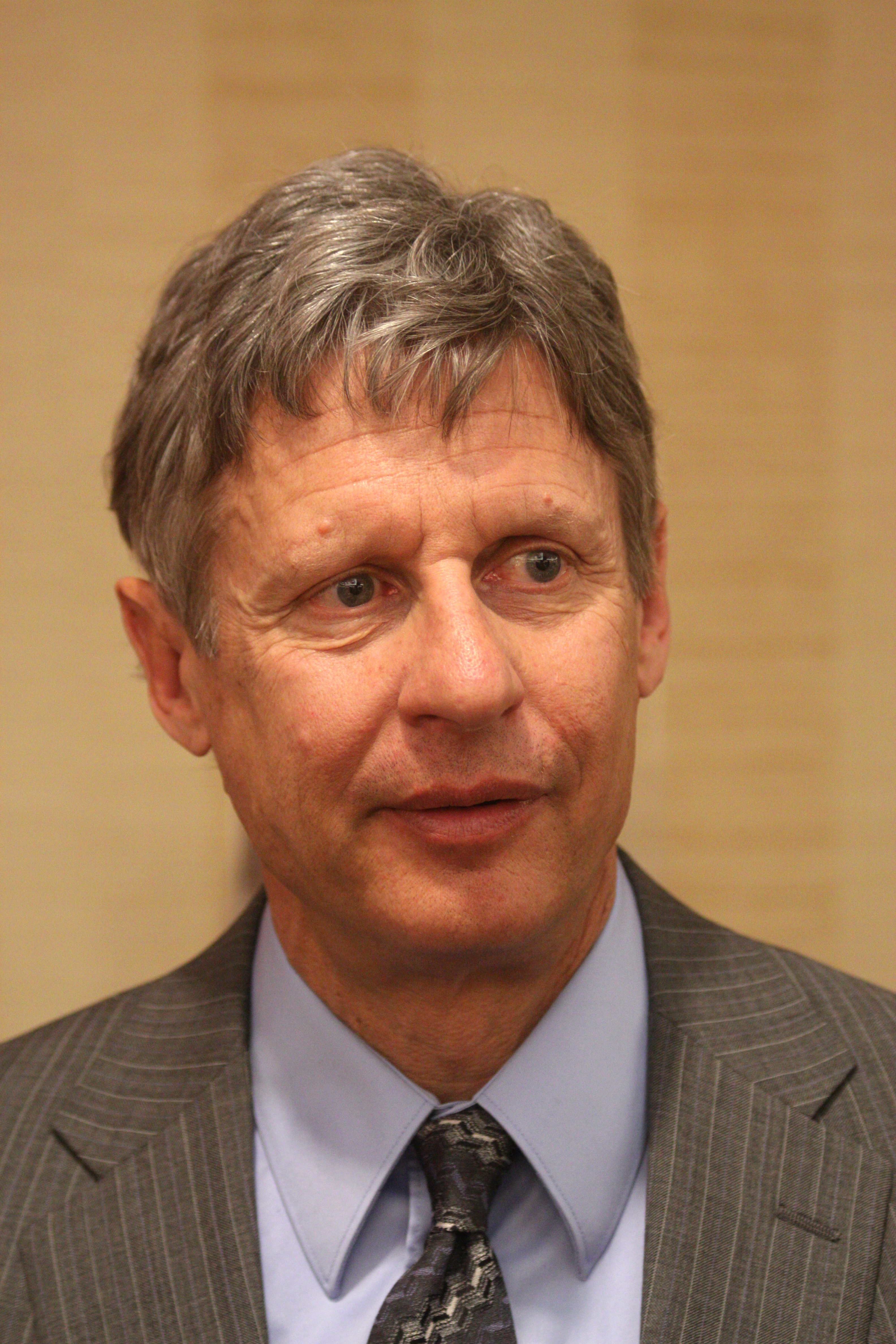 http://upload.wikimedia.org/wikipedia/commons/c/c1/Gary_Johnson_by_Gage_Skidmore_2.jpg