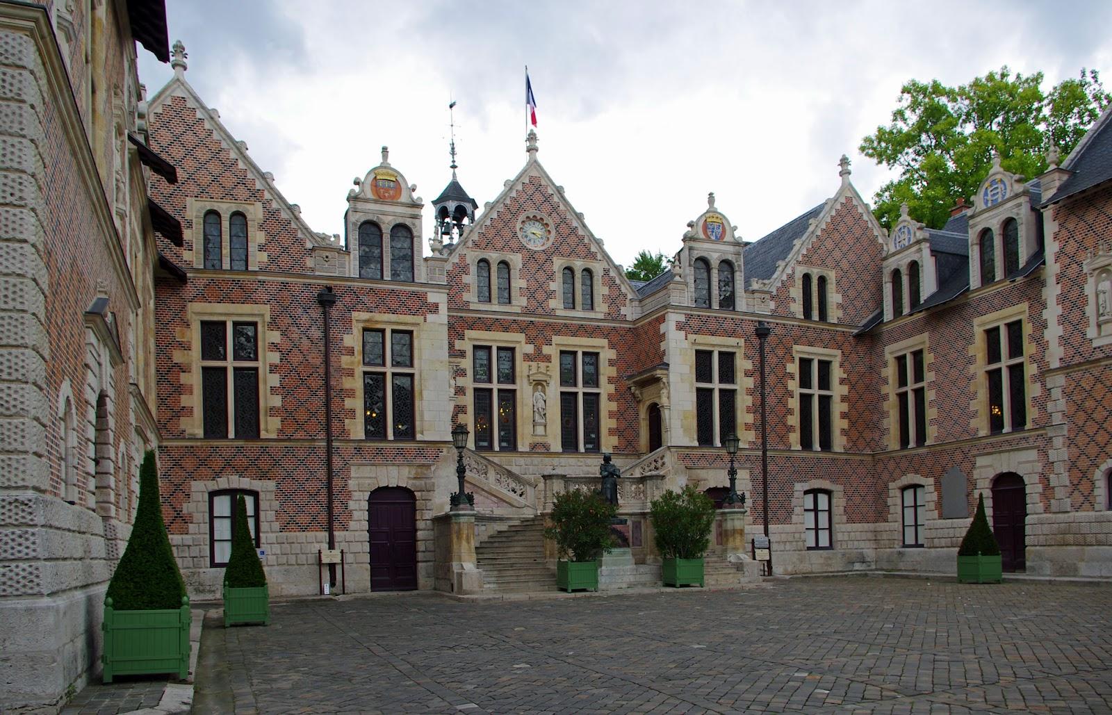 Orleans France  city photo : Fichier:Hôtel Groslot, Orléans, France, 2012. — Wikipédia