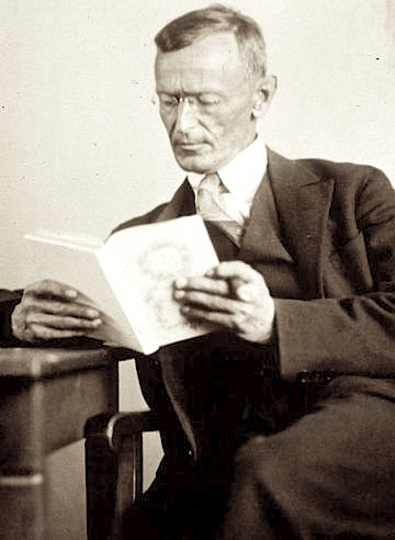 File:Hermann Hesse 1927 Photo Gret Widmann.jpg