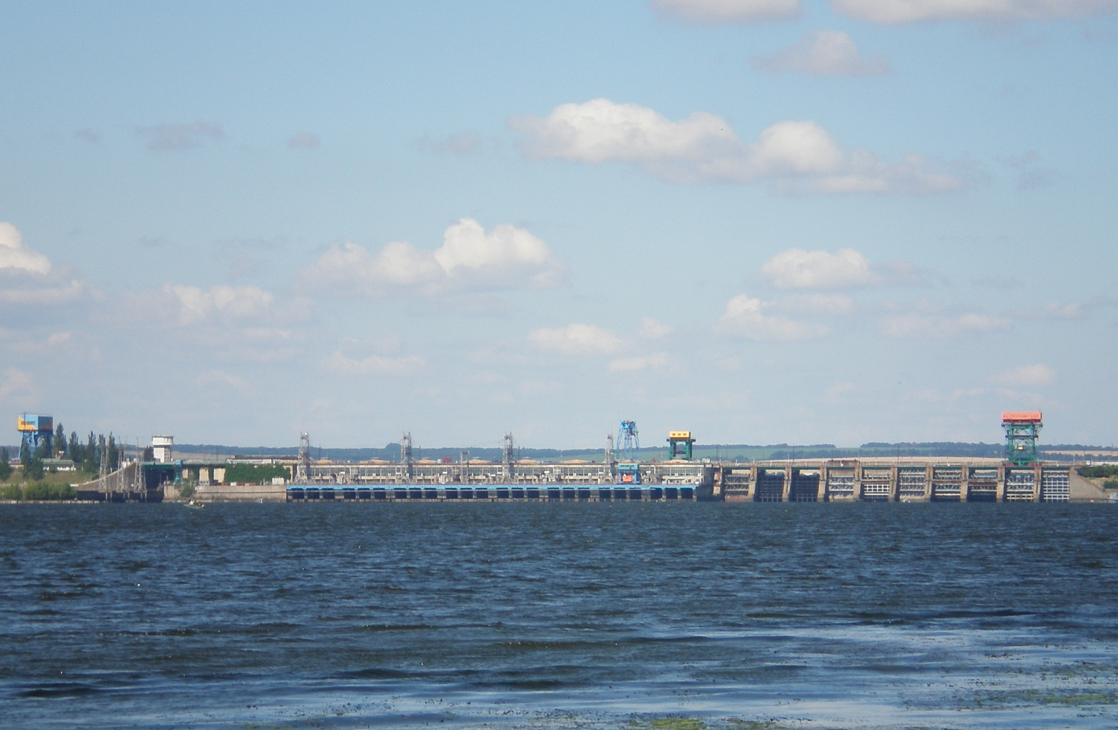 Centrale hydroélectrique de Dniprodzerjynsk, en Ukraine. Source : Ed1984/Wikipédia