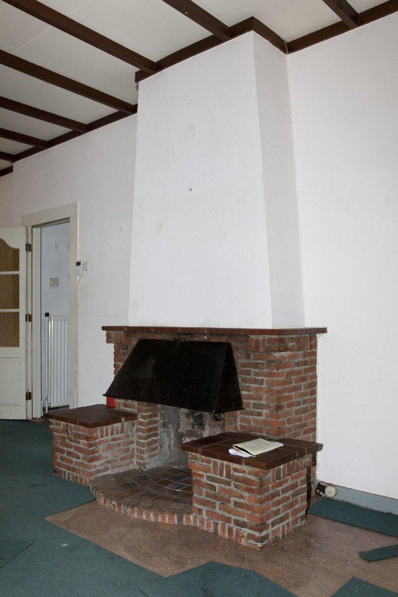 File interieur gemetselde schouw in woonkamer op de begane grond deelen 20534107 - Interieur woonkamer ...