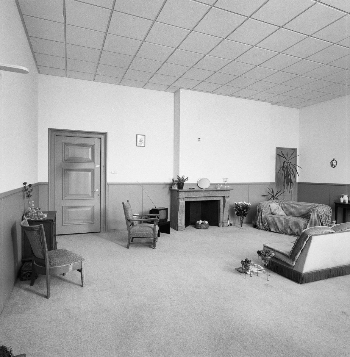 Bestand:Interieur, kamer op verdieping - Zeist - 20372126 - RCE.jpg ...