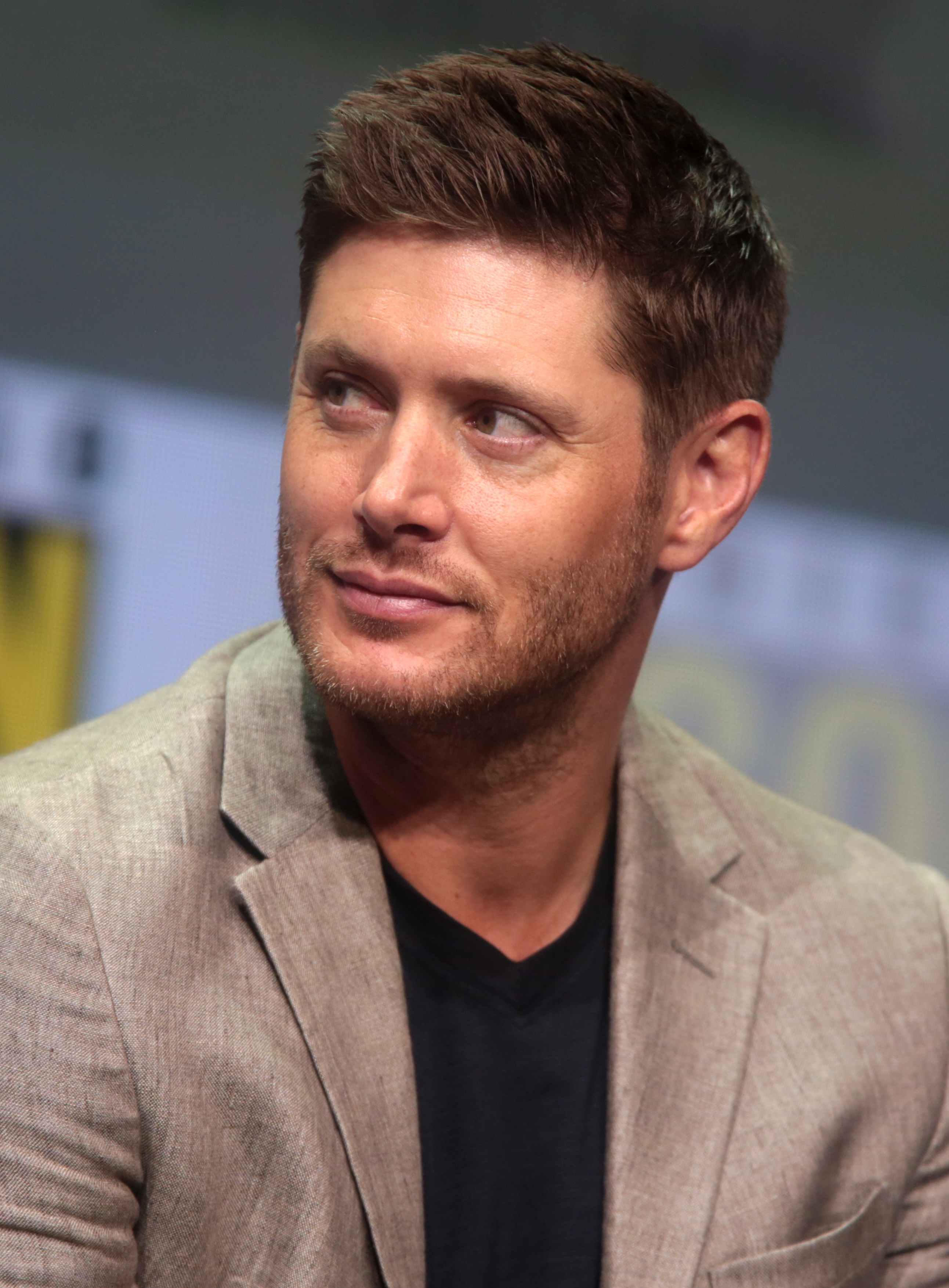 The 40-year old son of father (?) and mother(?) Jensen Ackles in 2018 photo. Jensen Ackles earned a  million dollar salary - leaving the net worth at 10 million in 2018