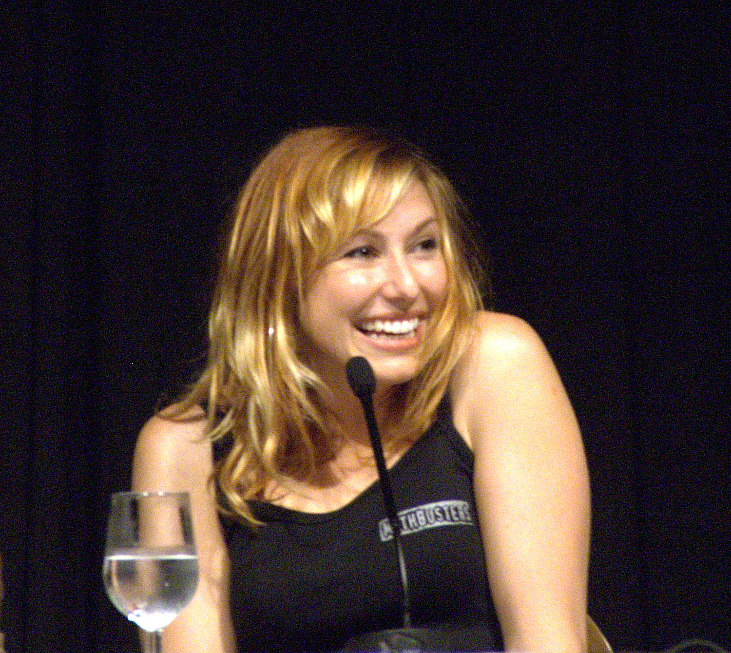 Kari Byron Hair http://www.sodahead.com/living/guyzwats-ur-opinion-on-gurlz-with-red-hair/question-646257/