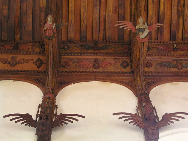 File:Knapton Church Interior - Angel carving on the roof - geograph.org.uk - 278153.jpg